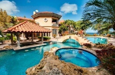 Le 14 case da sogno con piscina dove vorresti vivere for Piscine da sogno e da record