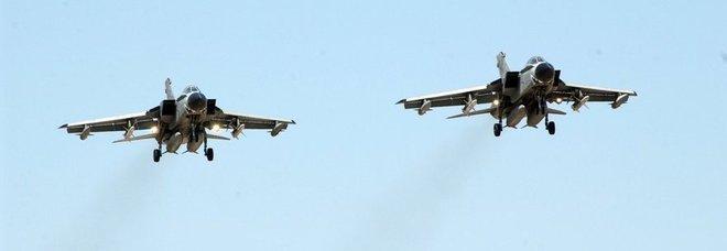 Aereo Di Linea Affiancato Da Caccia : Fiumicino allarme bomba in volo aereo scortato da due