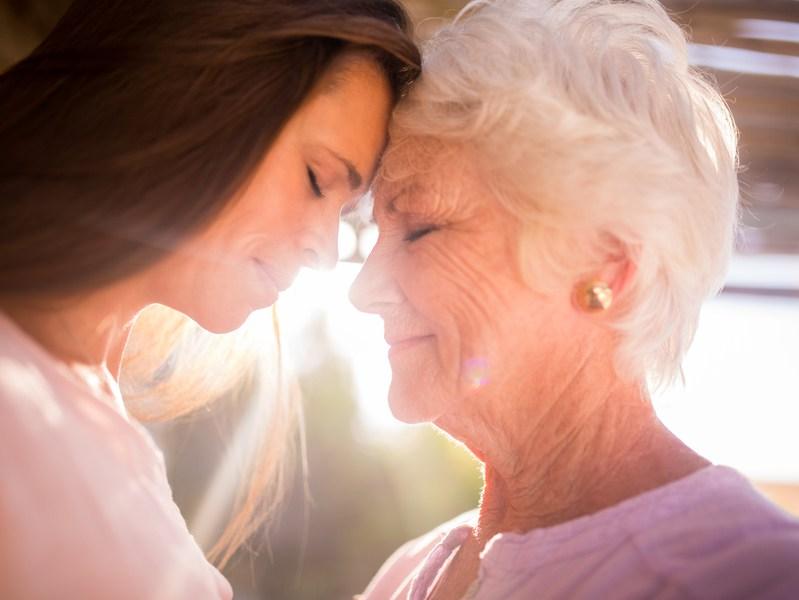 LA MAMMA E LA PRIMA E LULTIMA PERSONA CHE VEDIAMO