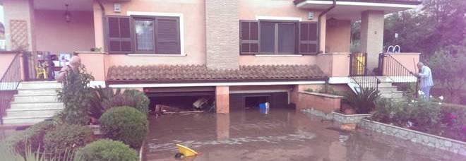 Bomba d 39 acqua a roma tracima canale case e garage allagati for Garage significato