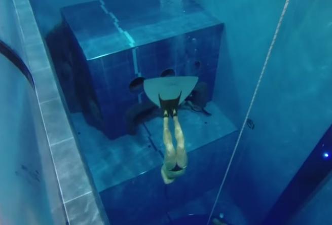 Si trova in italia la piscina piu 39 profonda del mondo video for Piscina y 40 montegrotto terme